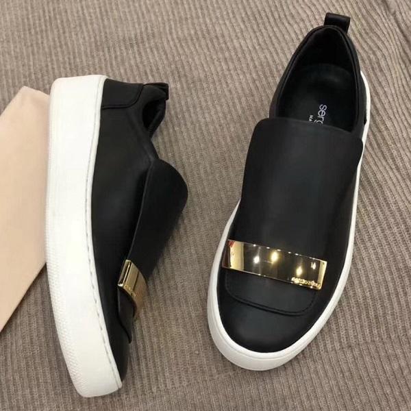 Слипоны – это самая удобная обувь для женщин и мужчин всех возрастов