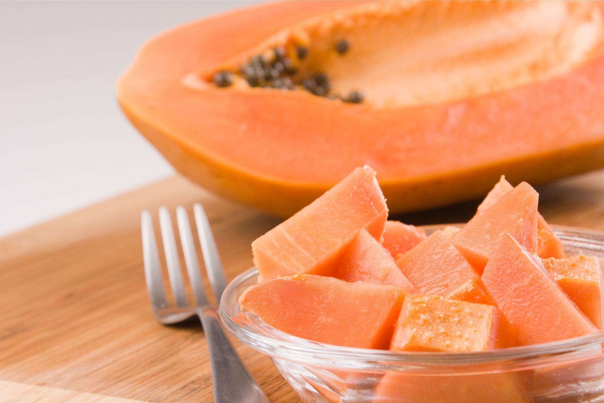 Папайя. состав, калорийность и свойства фрукта папайя. как едят папайю