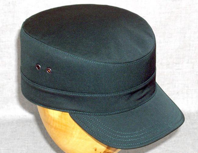 С чем носить кепку-восьмиклинку: модные сочетания для женщин и мужчин