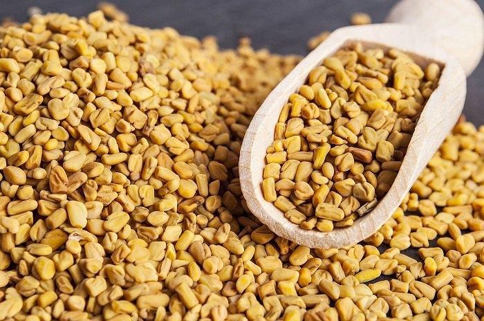 Хельба: полезные свойства и противопоказания, трава и семена для женщин и мужчин, применение чая, как заваривать