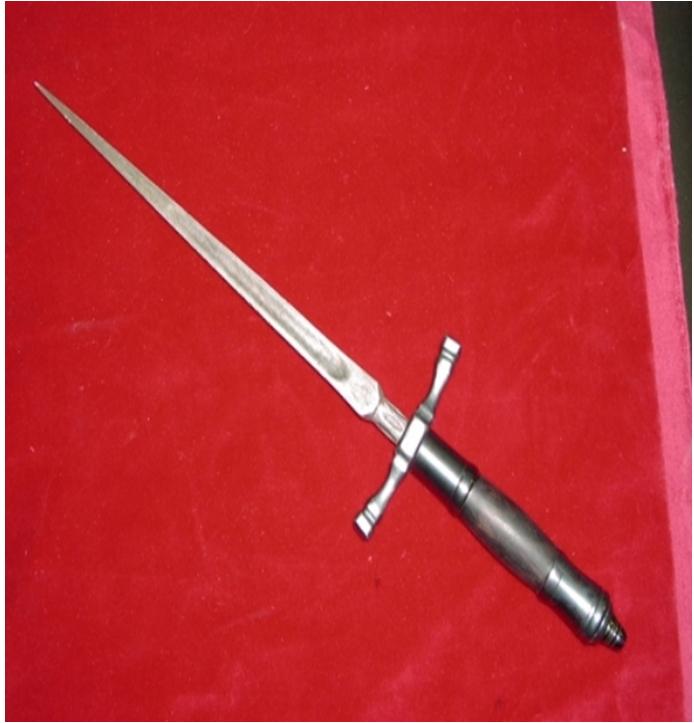 История появления ножа стилета, его конструкционные особенности