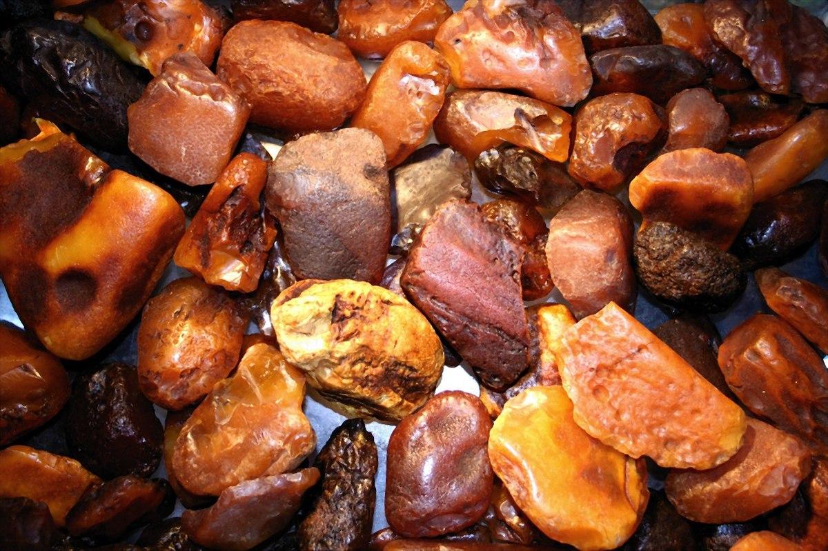 Камень янтарь: виды, цвета, магия, ценность
