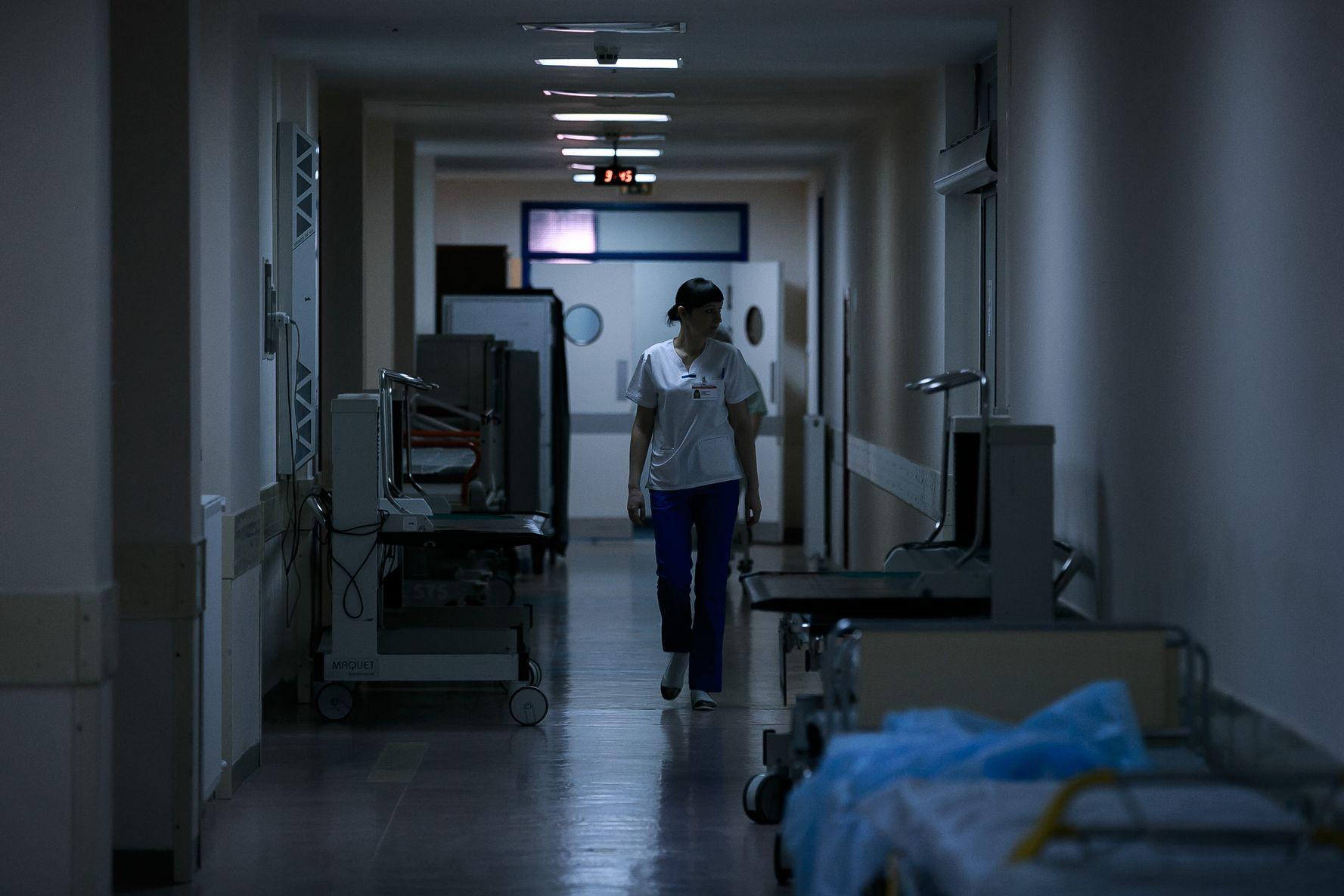 Родственники в реанимации — это неудобно. что думают о новых правилах посещения врачи-реаниматологи