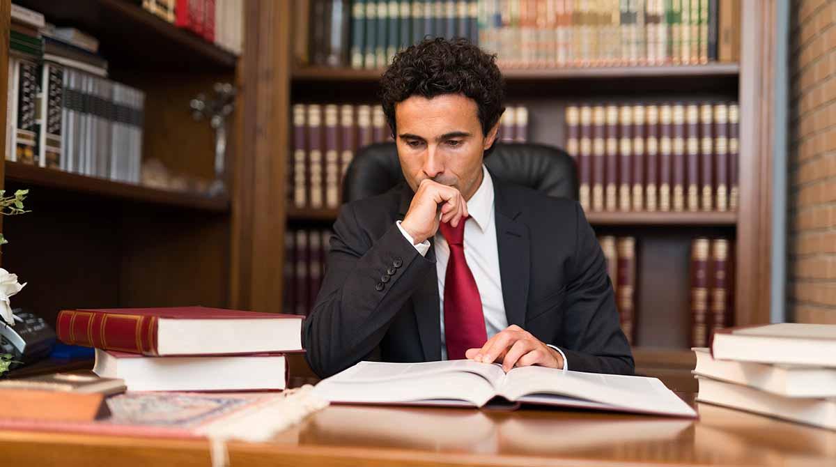 Профессия юрист: кто такой, чем занимается, какими качествами должен обладать и что нужно знать, чтобы им стать — плюсы и минусы — profylady