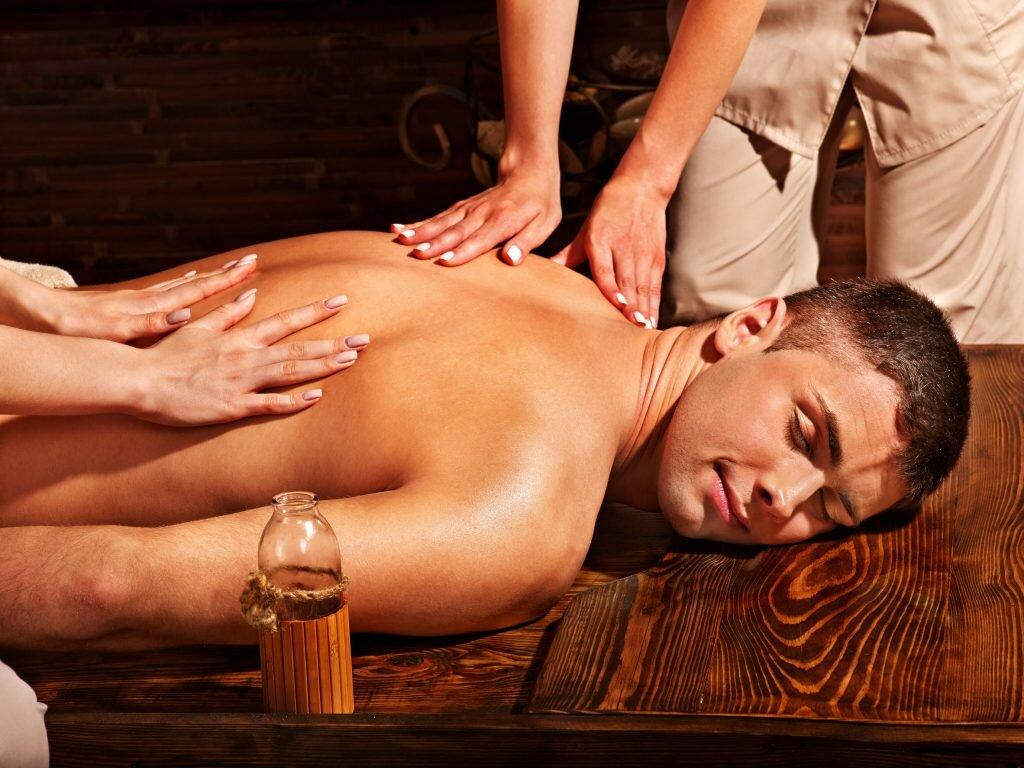 Как делать эротический массаж женщине: 6 главных правил + пошаговая инструкция