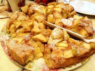 Как приготовить вкусную шарлотку с яблоками: рецепт с фото
