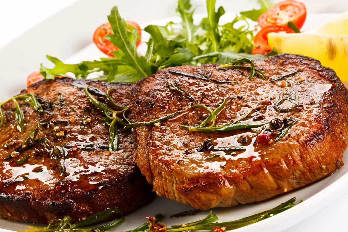 Как приготовить вкусный антрекот из говядины или свинины на сковороде — рецепты   вокруг нас