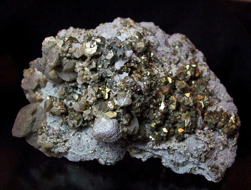 Свойства золота (au): что это за металл, физические и химические характеристики, твердость, теплопроводность, с чем реагирует