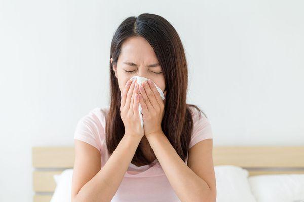 Как лечить ринорею