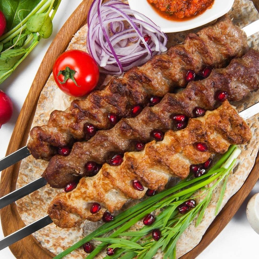 Турецкое блюдо с родиной в германии: донер кебаб