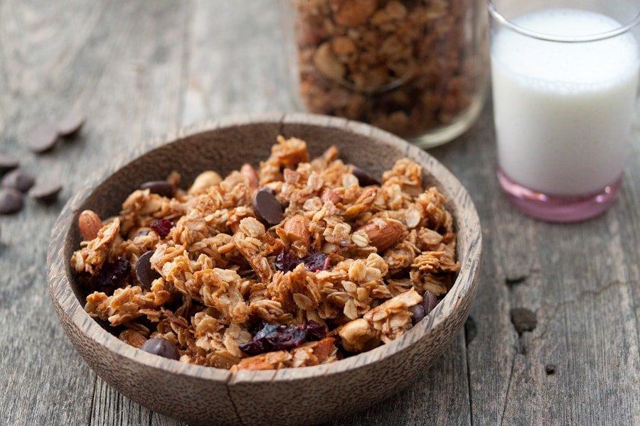 Что такое гранола: из чего ее делают, калорийность, польза и вред для здоровья