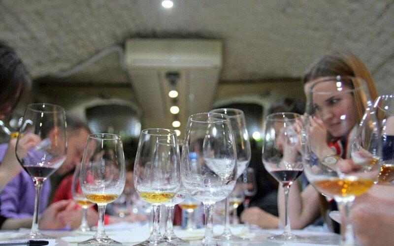 Главные правила сомелье, которые стоит знать каждому ценителю вина | журнал robb report