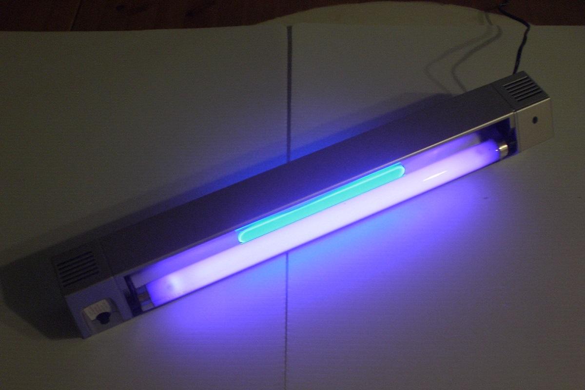 Лампа ультрафиолетовая: что это такое, применение уф для помещений дискотек, загара дома, проверки документов и денег, склейки стекла, лечения насморка, виды
