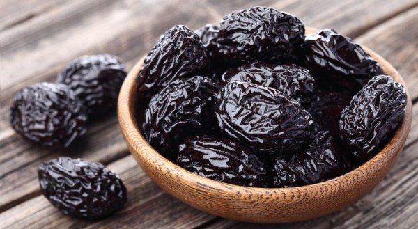 Всё о черносливе: польза и вред для организма