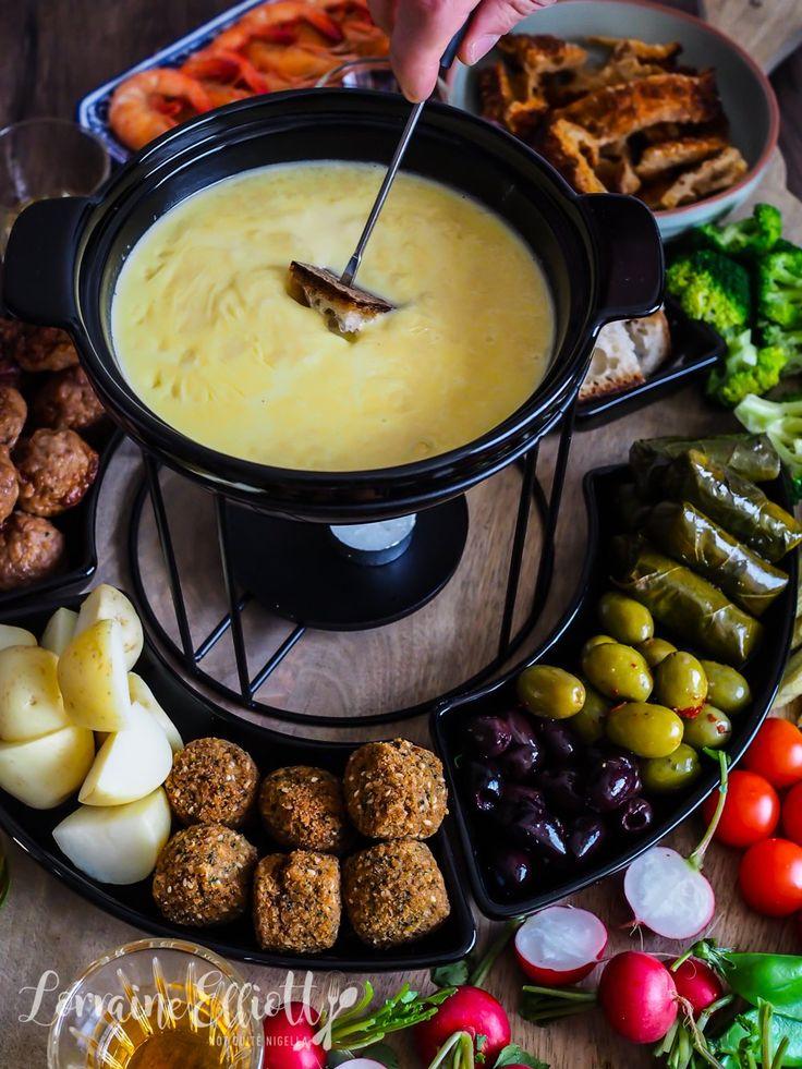 """Фондю """"мотье-мотье"""" из тeртого сыра – кулинарный рецепт"""