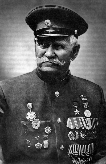 Георгиевский крест: орден и медаль солдатской славы