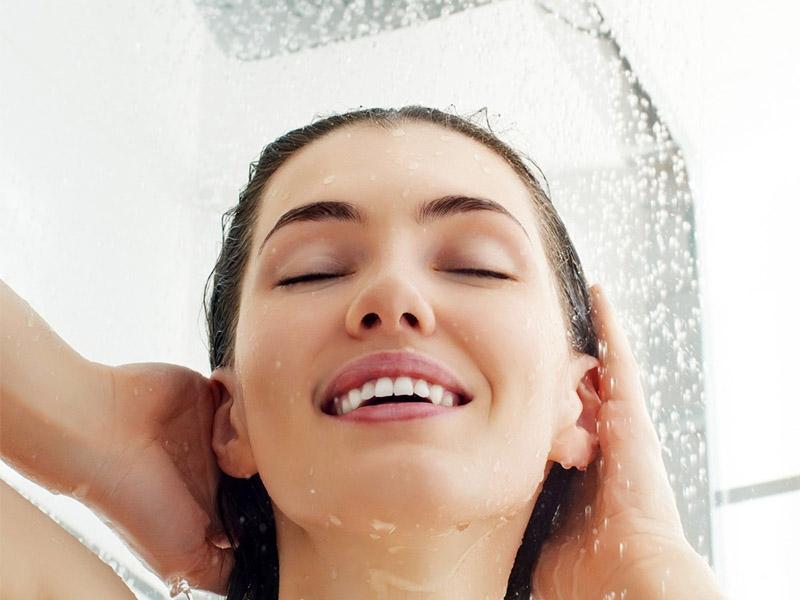 Контрастный душ: польза и вред для организма.