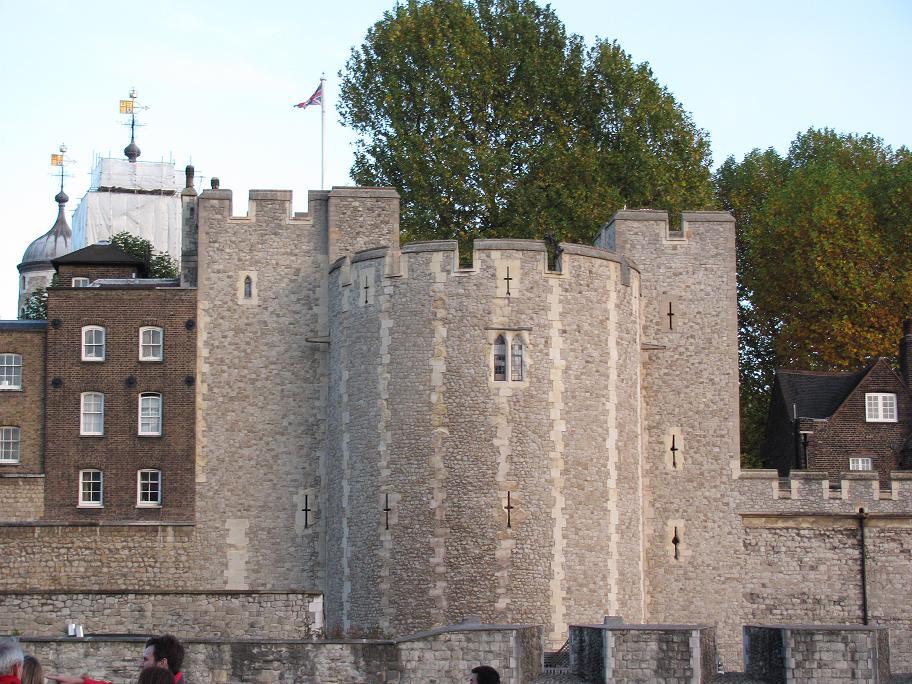 Загадочный и контрастный лондонский тауэр – любопытные факты из истории замка