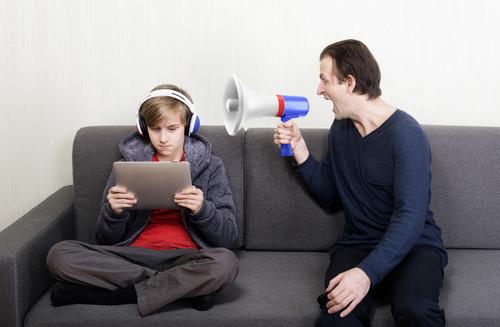 Пубертатный период у мальчиков. что это такое, возраст, признаки, сколько длится кризис, как вести себя родителям