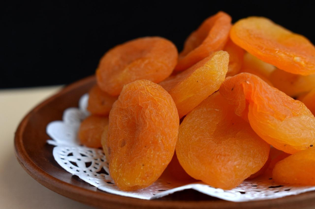 Курага - польза и вред для организма мужчин или женщин, суточная норма, содержание витаминов