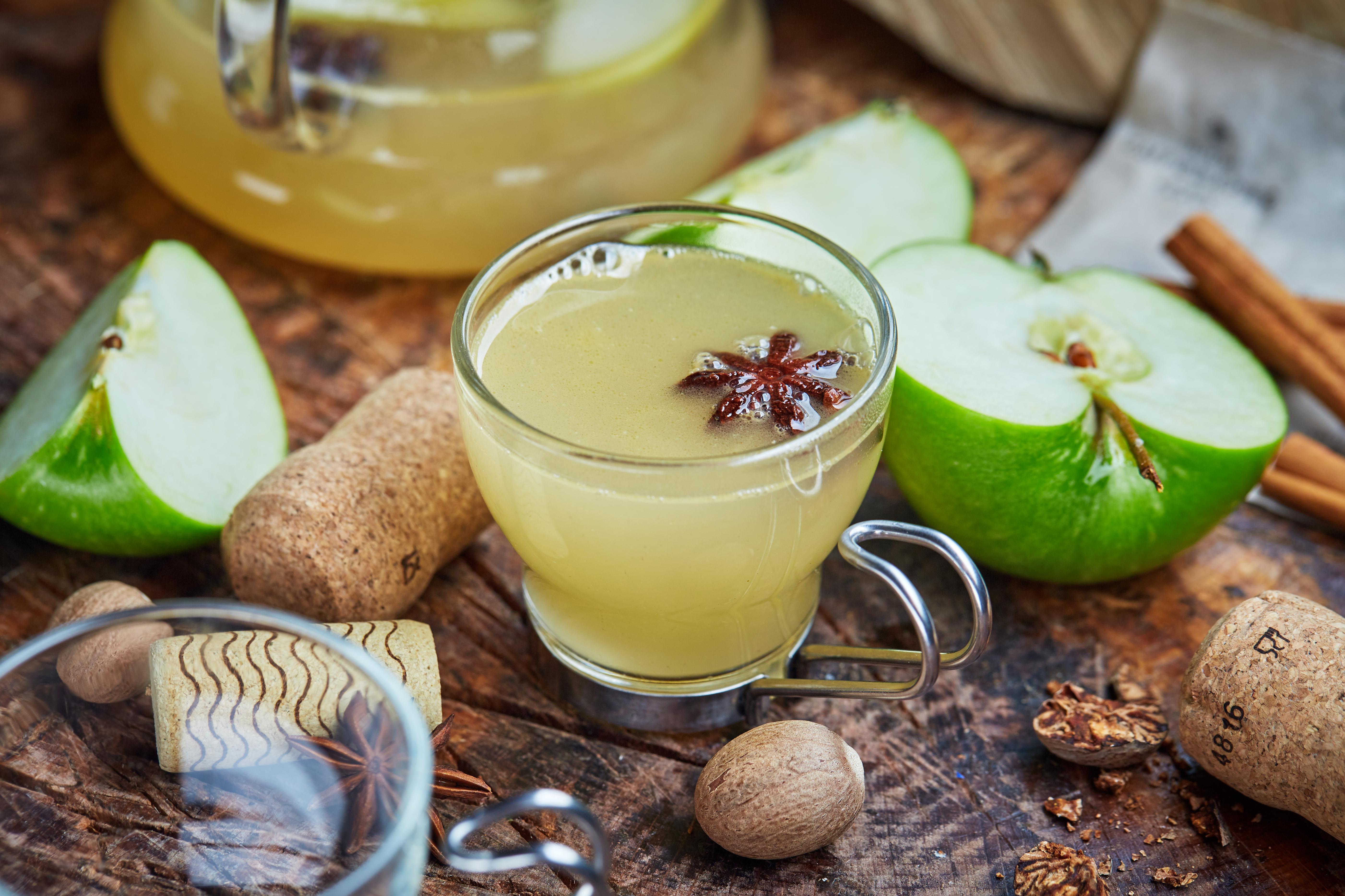 Старинный сбитень возвращается. из чего и как приготовить древнерусский напиток?