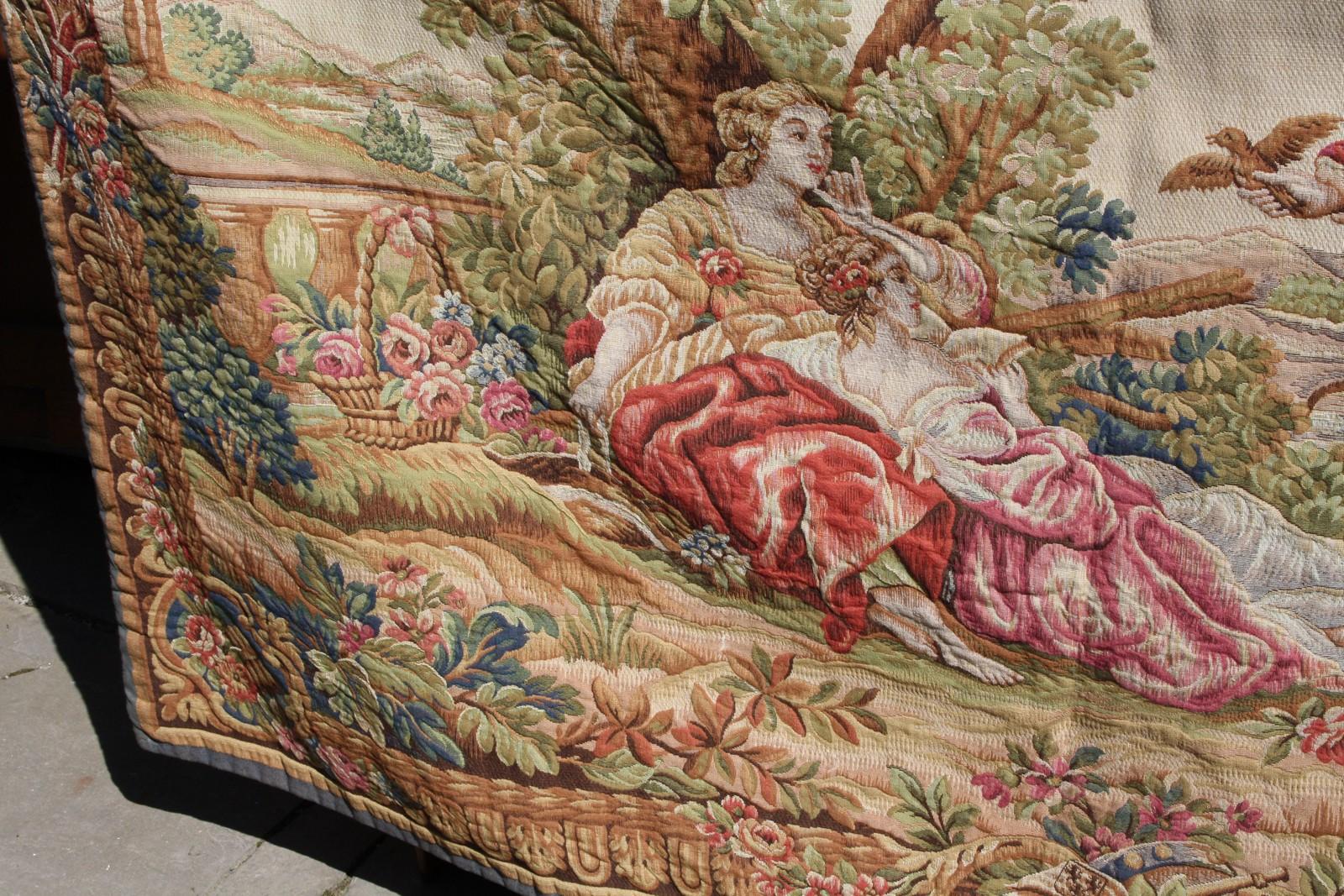 Гобелен — плотная ткань с рисунками для интерьера