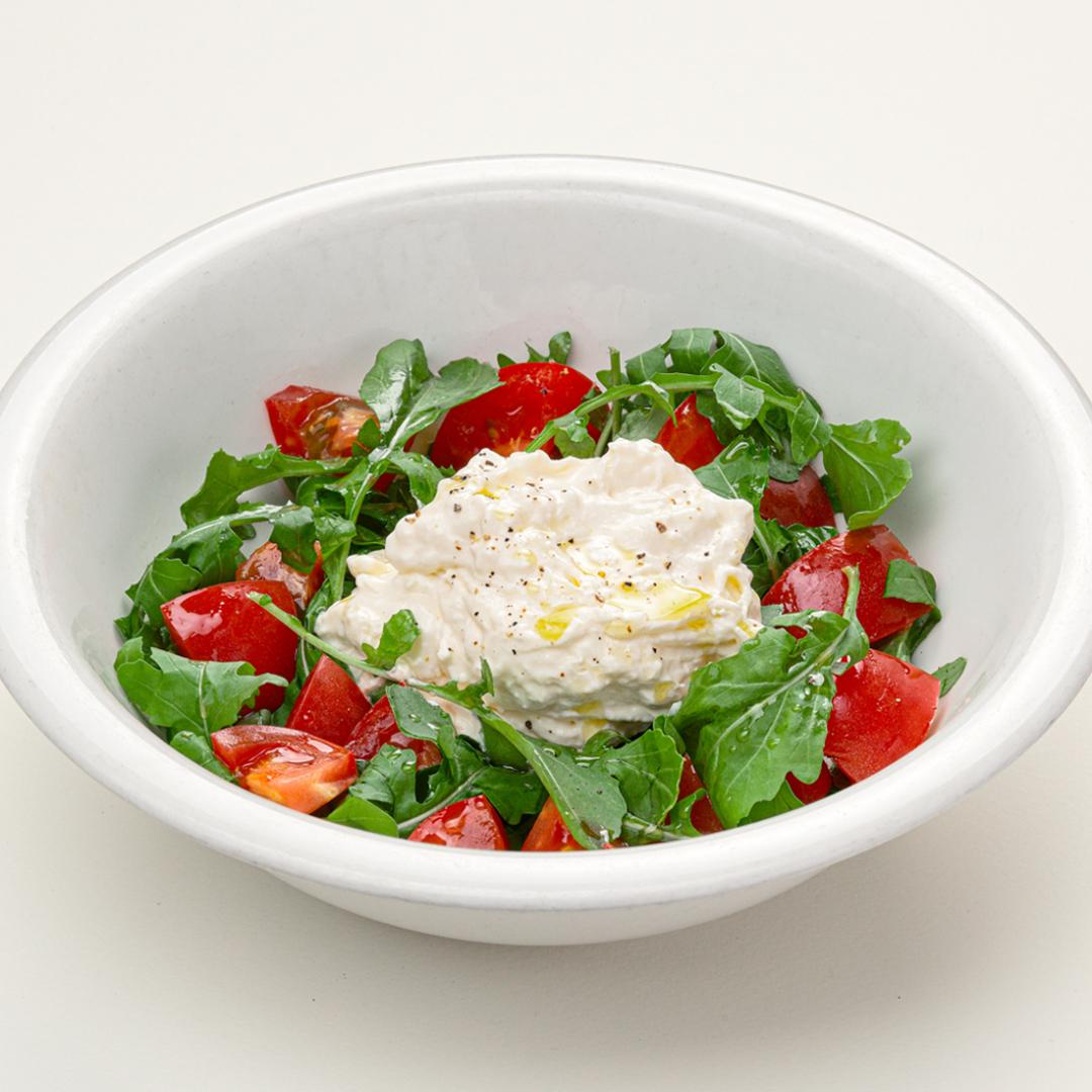 Сыр страчателла – что это за продукт, и какие блюда можно из него приготовить?