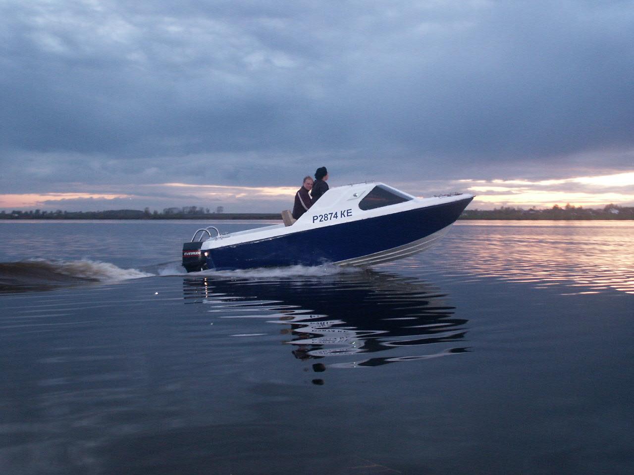 Управление дифферентом глиссирующего катера: излагаем в общих чертах