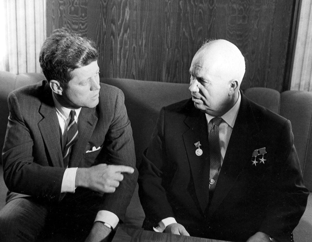 Холодная война: годы, суть. мир в годы холодной войны. внешняя политика в годы холодной войны