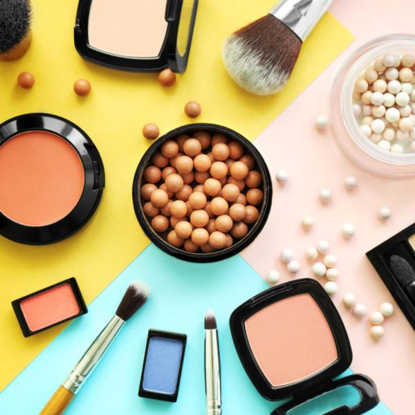 Косметика декоративная - это что такое и как применять? что входит в современные наборы декоративной косметики?