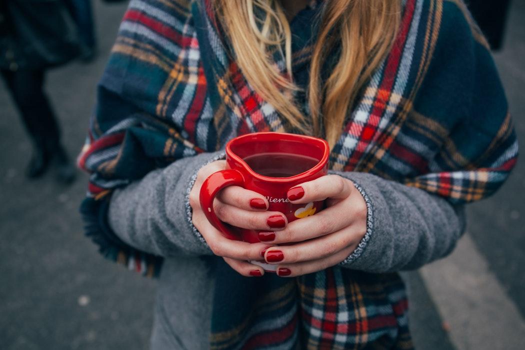 Чай каркаде: польза и вред, противопоказания при давлении