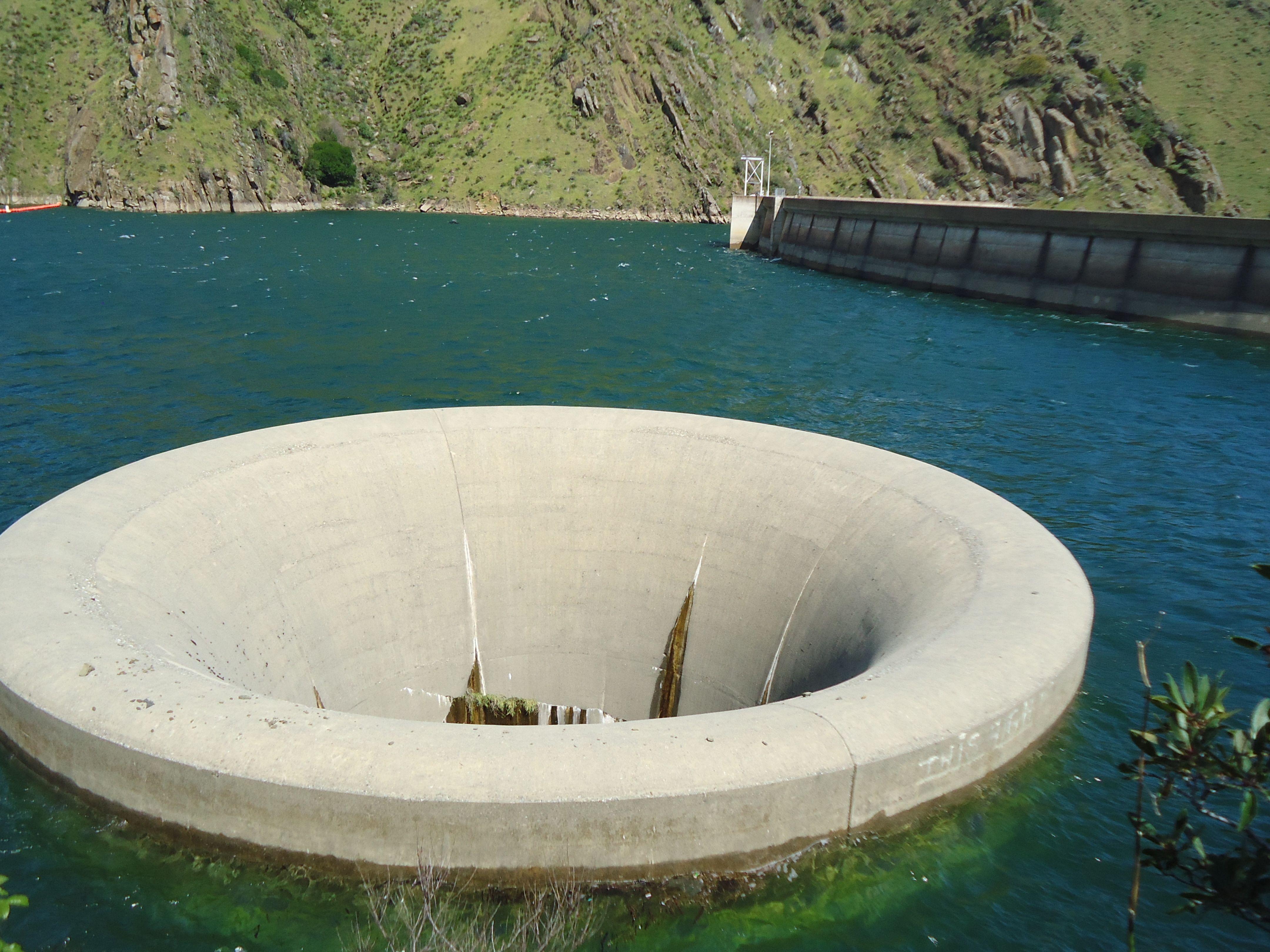 Плотина монтичелло (monticello dam)