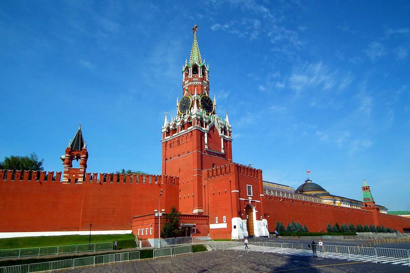 Московский кремль: дворцы, музеи и алмазный фонд