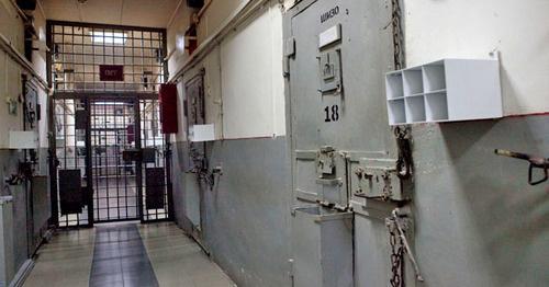 Статья 313 ук рф ➔ текст и комментарии. побег из места лишения свободы, из-под ареста или из-под стражи.