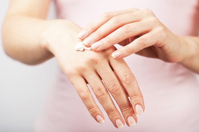 ᐉ сухая кожа рук в зимнее время, или как я победила цыпки. как вывести цыпки на руках в домашних условиях: лечение ➡ klass511.ru