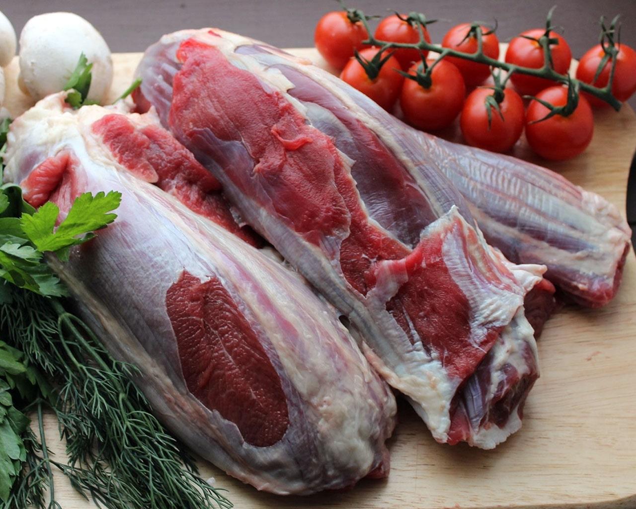 Запечённая говяжья голяшка с овощами в пиве рецепт с фото - 1000.menu