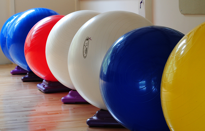 Что такое фитбол и какая от него польза? 6 эффективных упражнений