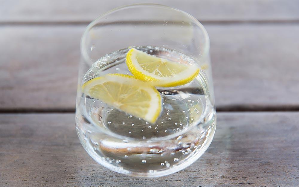 Сколько можно пить минеральной воды