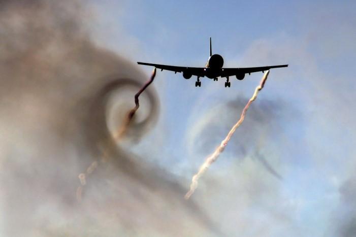 В чем опасность зоны турбулентности? что такое маленькая зона турбулентности?
