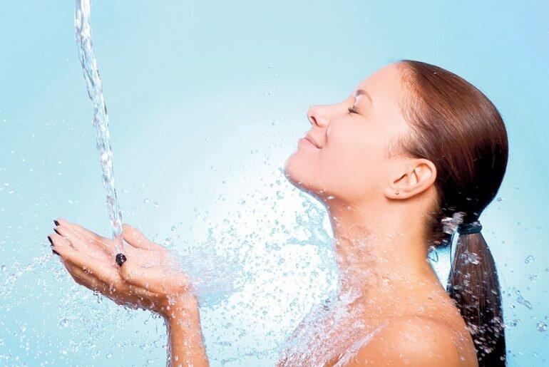 Контрастный душ: польза и противопоказания