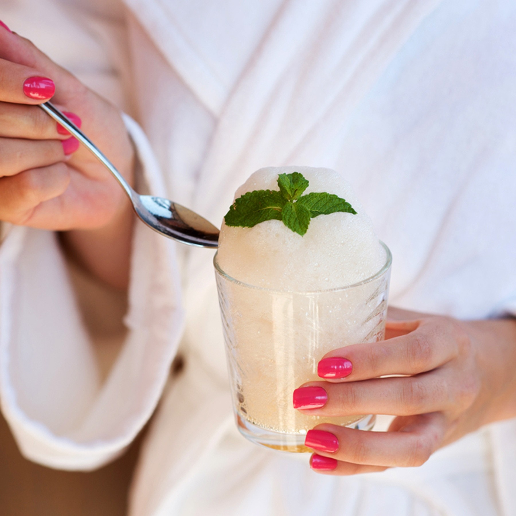"""Кислородный коктейль: полезные свойства, противопоказания, правила приема - официальный сайт ау санаторий """"юган"""""""