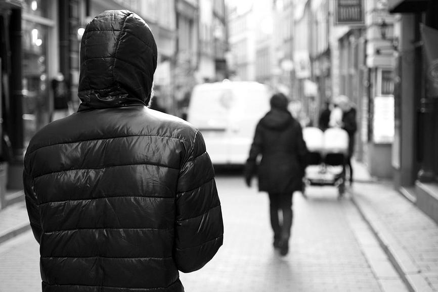 Сталкинг, или навязчивые ухаживания. как от этого защититься и кто может помочь по закону