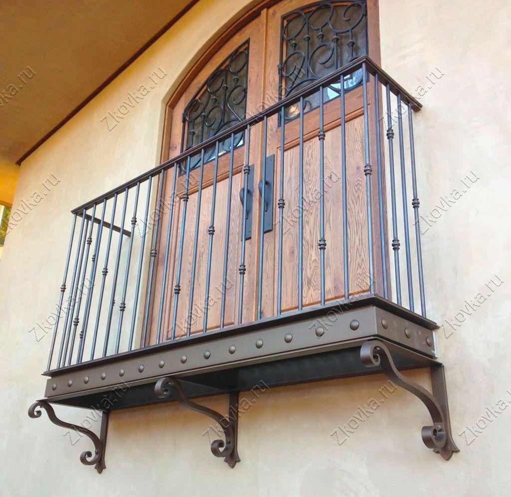 Французское окно на балкон – установка и ее особенности