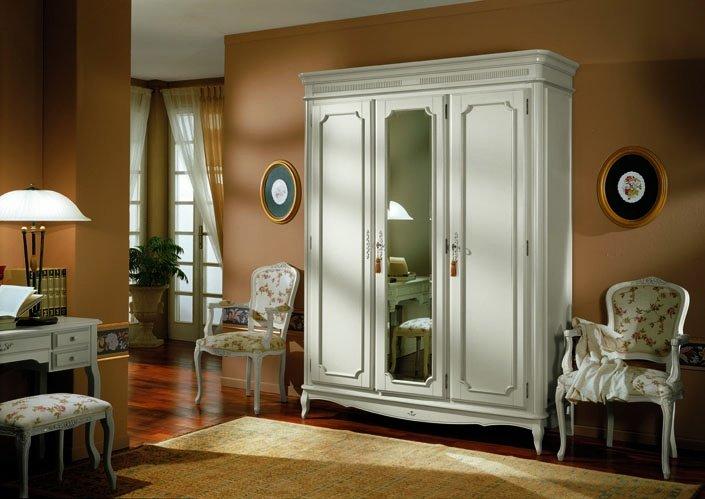 Что такое шкаф-купе: особенности конструкции, из каких материалов производят