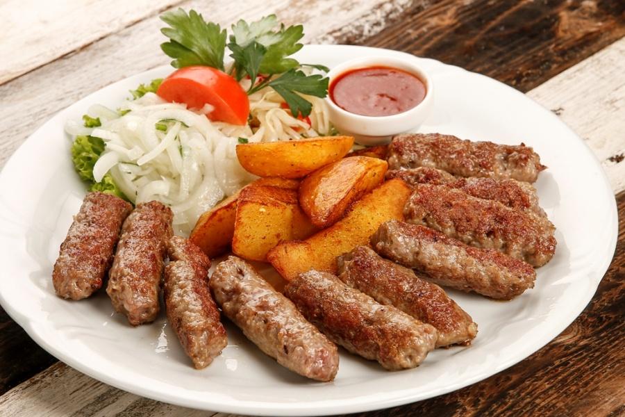 Чевапчичи - что это такое, пошаговые рецепты приготовления балканских колбасок с фото
