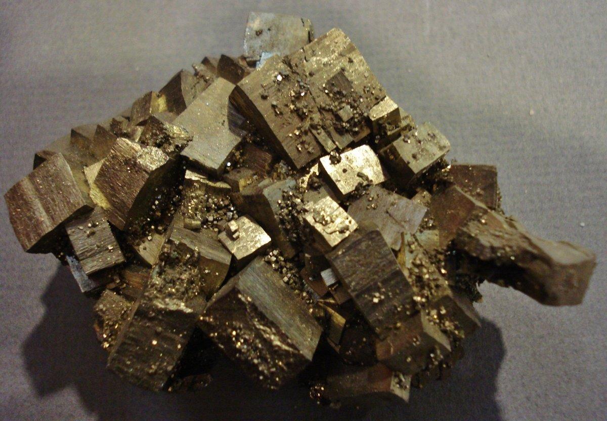 Как выглядит золото: его свойства и внешний вид