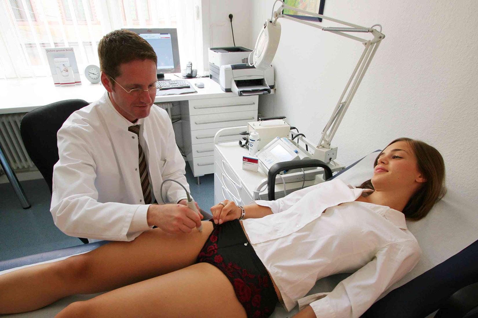 Что делает врач гинеколог и на какую зарплату может рассчитывать?