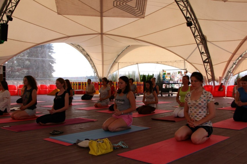 Кундалини йога что это: практика для женщин, мантры для начинающих, отзывы