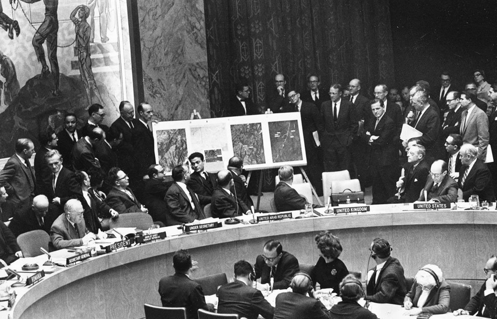 Холодная война: речь черчилля, карибский кризис и встреча на мальте