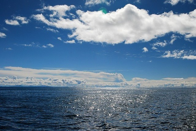 Где находится титикака (озеро)? интересные факты об озере титикака